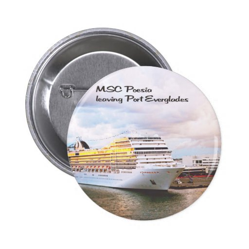 Barco de cruceros que sale del puerto pin