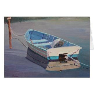 Barco de fila que flota en el agua tarjeta de felicitación