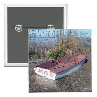 Barco de fila rústico viejo pin cuadrado
