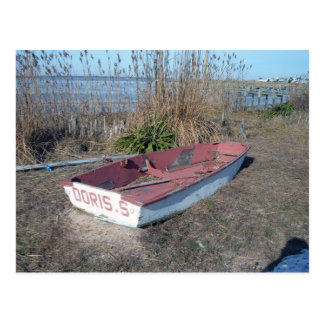Barco de fila rústico viejo postal