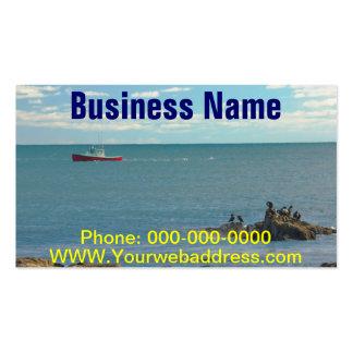 Barco de la langosta que trabaja de la playa tarjetas de visita