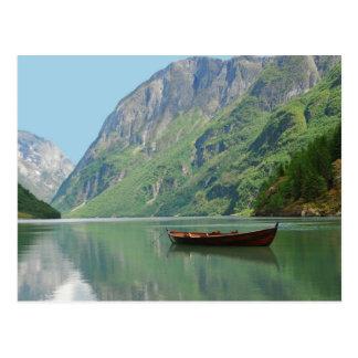 Barco de la postal de Vikingos