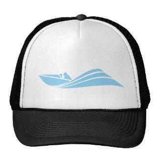 Barco de la velocidad de los azules cielos gorras