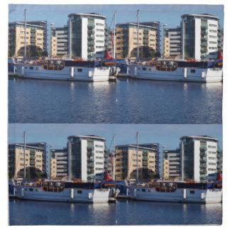 Barco de motor de madera clásico servilletas imprimidas
