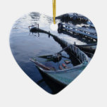 Barco de pesca abandonado ornamentos de reyes