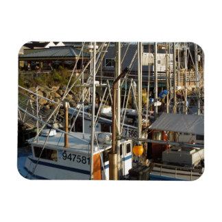 Barco de pesca atracado en la bahía de Morro CA Imanes Rectangulares
