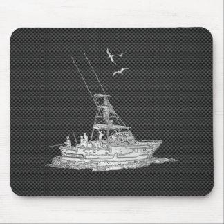 Barco de pesca de plata en fibra de carbono mouse pad