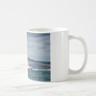 Barco de pesca del ocio taza de café