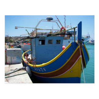 Barco de pesca maltés colorido tarjeta postal