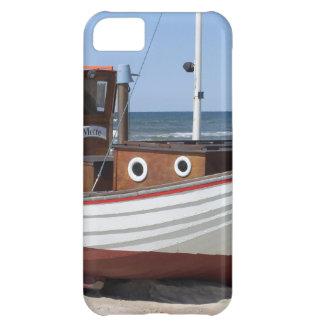 Barco de pesca náutico que se sienta en la playa d funda para iPhone 5C
