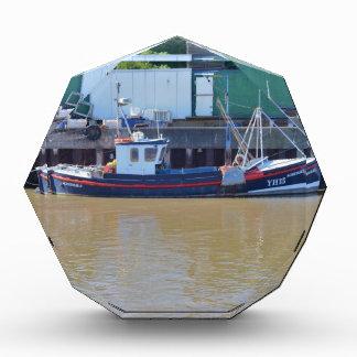Barco de pesca YH15 realizable