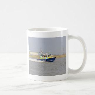 Barco de policía de alta velocidad tazas
