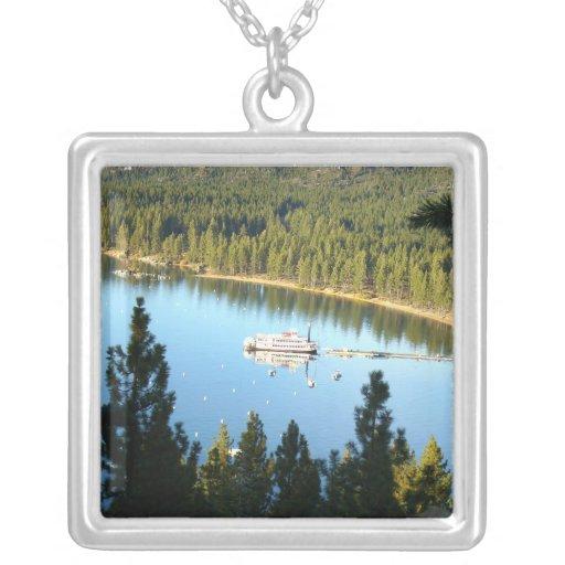 Barco de vapor en el lago Tahoe Joyerías
