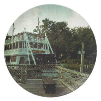 Barco de vapor platos