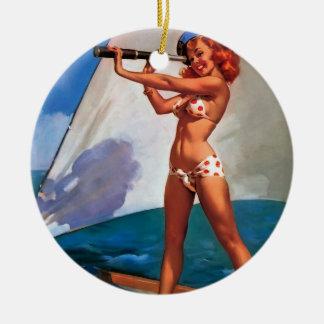 Barco de vela de Gil Elvgren del vintage que naveg Ornamente De Reyes
