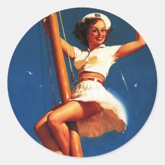 Barco de vela de Gil Elvgren del vintage que naveg Pegatinas Redondas