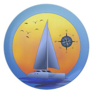 Barco de vela del catamarán platos para fiestas