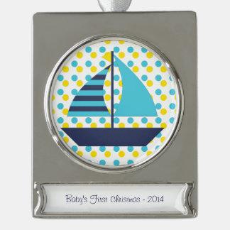 Barco de vela del verde azul