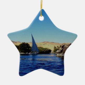 Barco de vela en el Nilo azul en la foto de Egipto Ornamento Para Arbol De Navidad