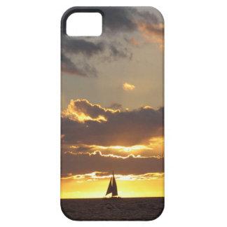 Barco de vela en la puesta del sol iPhone 5 funda