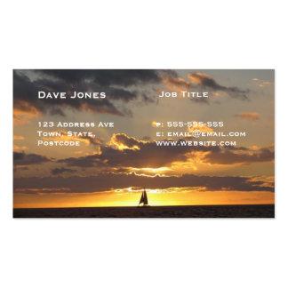 Barco de vela en la puesta del sol plantillas de tarjeta de negocio