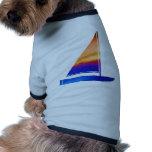 Barco de vela - rojo azul de n camisa de perrito
