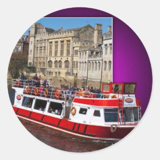 Barco de York fuera de los límites Pegatina Redonda