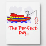 Barco del hombre de la pesca placas con fotos