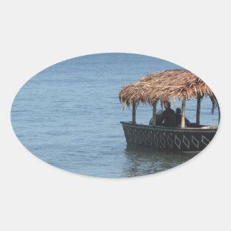 Barco del tejado cubierto con paja colcomanias ovaladas