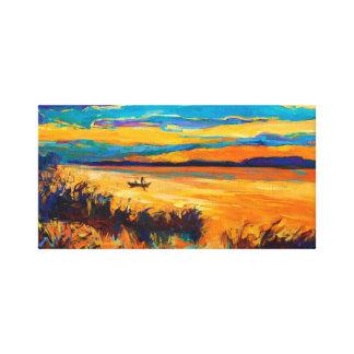 Barco en el lago. Paisaje de la puesta del sol Impresión De Lienzo