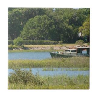 Barco en la entrada de St Augustine en la Florida Teja Ceramica