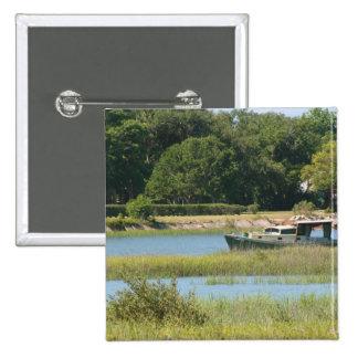 Barco en la entrada de St Augustine en la Florida Pin Cuadrada 5 Cm
