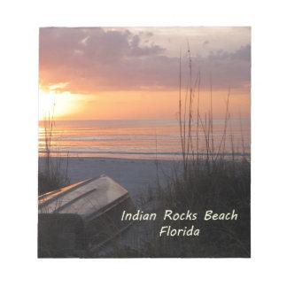 Barco indio de la playa de la puesta del sol de la libreta para notas