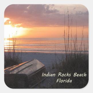 Barco indio de la playa de la puesta del sol de la pegatina cuadradas