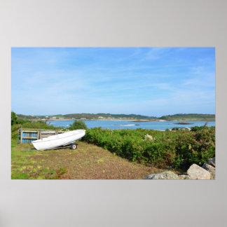 Barco local en las islas de Scilly Póster