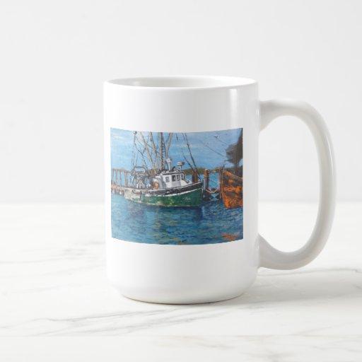 barco pesquero de madera taza