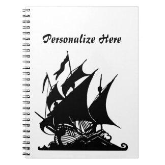 Barco pirata blanco y negro spiral notebook