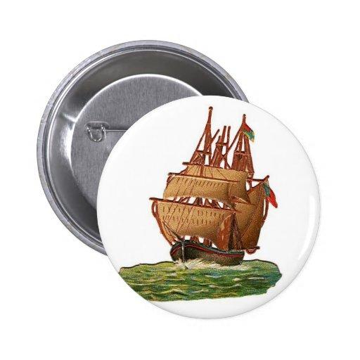 Barco pirata en el mar pin redondo 5 cm