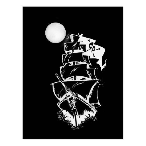 Barco pirata en los altos mares postal
