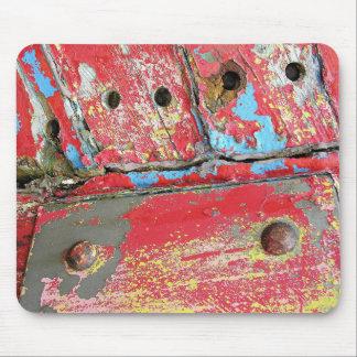 Barco rastreador viejo de decaimiento tapetes de ratones