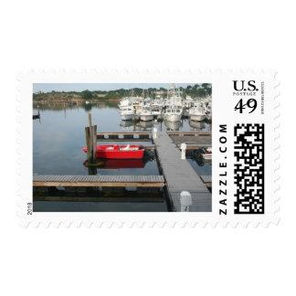 Barco rojo en Gloucester Envio