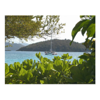 Barco solitario tarjeta postal
