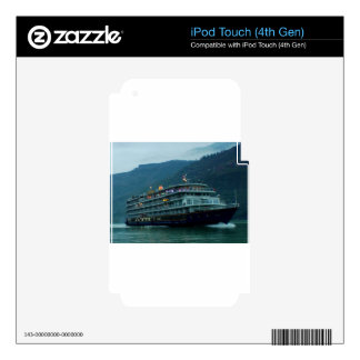 Barco turístico chino en el río Yangtz iPod Touch 4G Skin
