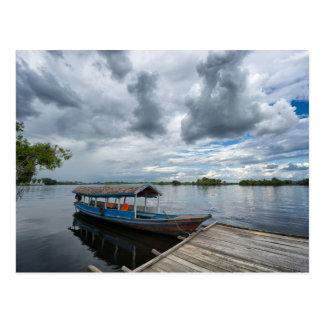 Barco turístico del Amazonas Tarjeta Postal