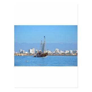 Barco turístico en el Algarve Tarjeta Postal