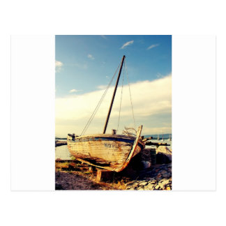Barco viejo postal
