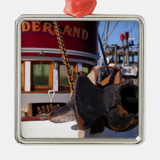 Barco y ancla de pesca adorno navideño cuadrado de metal