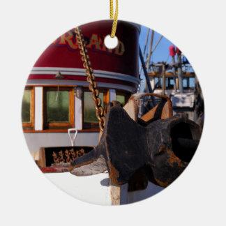 Barco y ancla de pesca adorno navideño redondo de cerámica