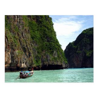 Barco y playa postales