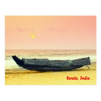 Barco y puesta del sol, Kerala, la India Postal